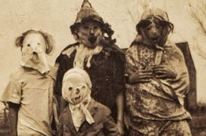 these-vintage-halloween-costumes-will-give-you-ni-1-11066-1396288336-18_big